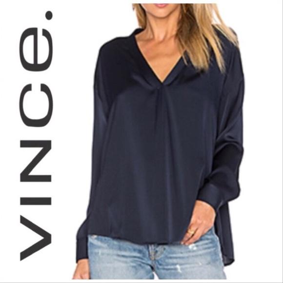 93f83aacb2b3b8 Vince Silk Split Front Blouse. M 5b86fed074359bbe3f5da73a